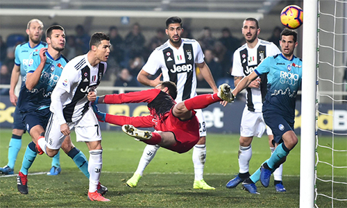 Ronaldo có bàn thứ 12 tại Serie A mùa này, nhưng không trọn niềm vui vì Juventus bị cầm hoà. Ảnh: ANSA.