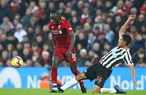 Newcastle không thể ngăn cản Liverpool đang hừng hực khí thế. Ảnh: AFP.
