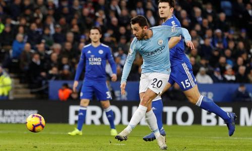 Bernardo mở tỷ số phút 14 - pha lập công thứ năm của anh ở Ngoại hạng Anh mùa này. Ảnh: Reuters.