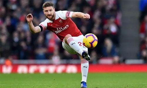 Arsenal đang thiếu hậu vệ để làm nên một đội bóng mạnh đúng nghĩa. Ảnh: Reuters