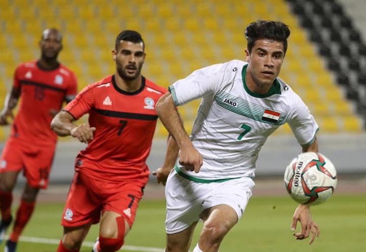 Mohammed Dawood (áo trắng) được gọi bổ sung vào đội hình Iraq dự Asian Cup. Ảnh: AFP.