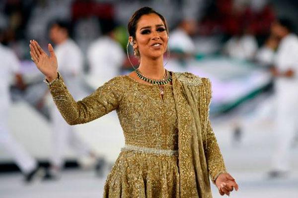 Nữ ca sĩ của lễ khai mạc, Balqees Ahmed Fathi, 30 tuổi, người gốc Yemen.