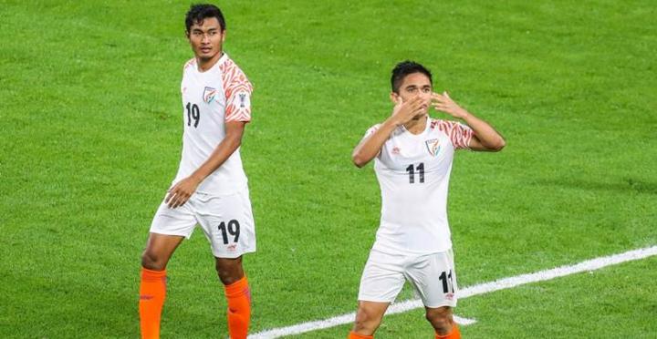 Chhetri (số 11) là huyền thoại của bóng đá Ấn Độ, với 105 lần khoác áo đội tuyển. Ảnh: Fox Sporst.