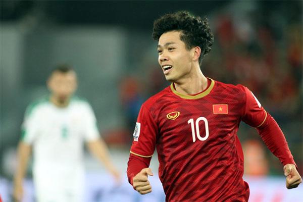 Công Phượng để lại dấu ấn trong cả hai bàn thắng của Việt Nam. Ảnh: Anh Khoa.