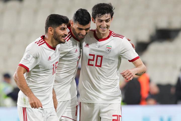 Cầu thủ Iran ăn mừng chiến thắng 5-0 trước Yemen tối 7/1. Ảnh: AFC