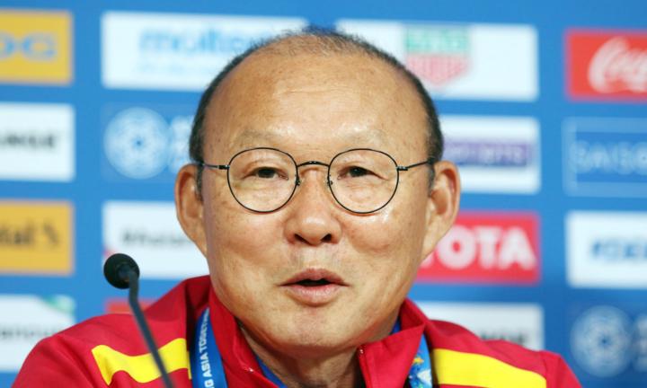 HLV Park Hang-seo coi trận gặp Iran là cơ hội cho cầu thủ Việt Nam thử thách bản thân. Ảnh: Anh Khoa.