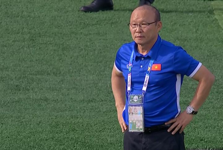 Ông Park chứng kiến các học trò chịu trận trước Iran.