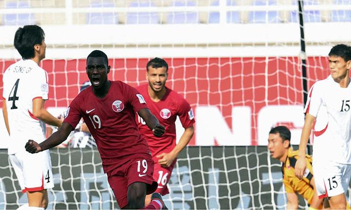 Qatar (áo đỏ) có chiến thắng đậm nhất kể từ đầu Asian Cup 2019. Ảnh: AFC.