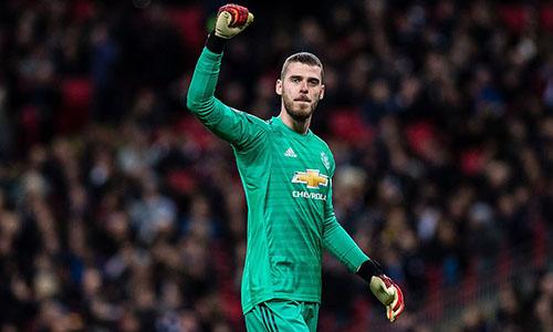 De Gea giúp Man Utd giữ được chiến thắng sít sao trên sân của Tottenham. Ảnh: EPA.