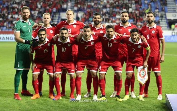 Lebanon bị loại vì ít hơn Việt Nam hai thẻ vàng. Ảnh: Reuters.