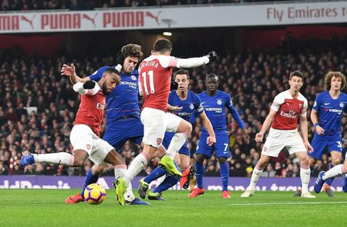 Arsenal xử đẹp Chelsea - 1