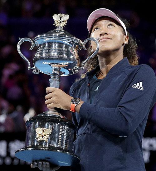 Osaka bên danh hiệu Grand Slam thứ hai liên tiếp, sau chức vô địch Mỹ Mở rộng 2018.Ảnh: AP.