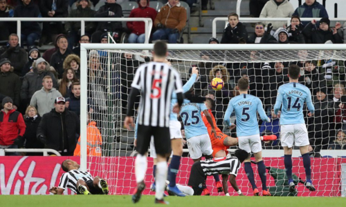 Man City đã để mất tới 16 điểm qua 24 vòng Ngoại hạng Anh mùa này, với hai lần hoà và bốn trận thua - nhiều hơn toàn bộ điểm số mà họ đánh rơi ở mùa trước (14 điểm - bốn hoà, hai thua).