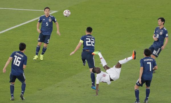 Bàn mở tỷ số đẳng cấp của Almoez Ali khiến Nhật Bản trở nên bị động. Ảnh:AFC.