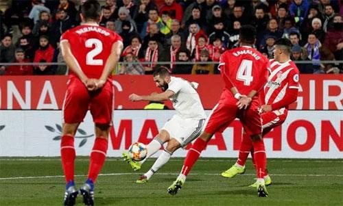 Girona không thể ngăn Benzema và đồng đội vào bán kết. Ảnh: Reuters