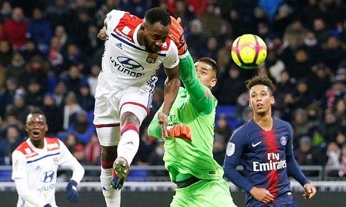 Lối chơi tấn công đầy tự tin giúp Lyon xuất sắc đánh bại PSG. Ảnh: AFP.