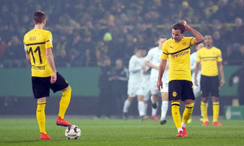 Dortmund thất bại dù Reus và Gotze cùng đá chính. Ảnh: Reuters.