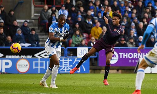 Iwobi trong tình huống mở tỷ số trận đấu cho Arsenal. Ảnh: Premier League.