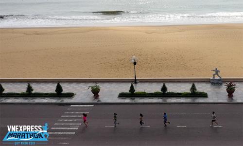 Cung đường của VM 2019 giúp VĐV đi qua nhiều thắng cảnh đẹp nhất ở Quy Nhơn. Ảnh: Ngọc Thành.