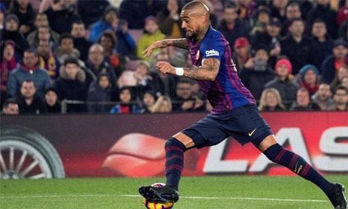 Boateng gặp vận đen ngay sau khi sang Barca.