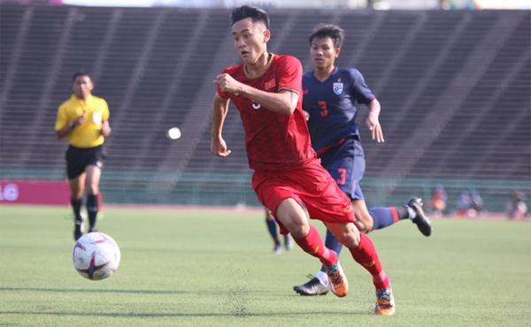 Việt Nam chơi trên chân và sở hữu những cơ hội ngon ăn nhưng không thể làm tung lưới đối thủ. Ảnh: Anh Lê.