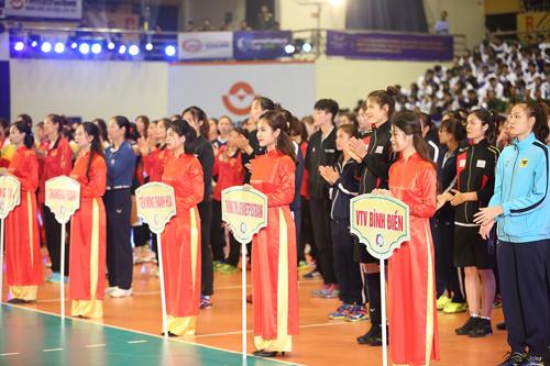 Cup LienVietPostBank mang đến cuộc tranh tài hấp dẫn của các đội bóng chuyền nữ.