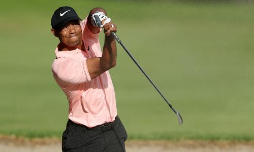 Woods có vòng golf tốt thứ hai kể từ đầu mùa và đứng trước cơ hội tranh vô địch trong hai ngày cuối tuần.Ảnh: Golf Channel.