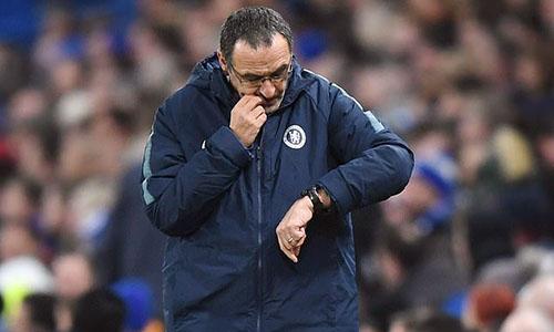 Thời gian ở Chelsea như đang đếm ngược với Sarri. Ảnh: DM.