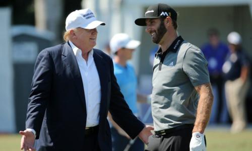 Ông Trump có mối quan hệ thân tình với Dustin Johnson và nhiều golfer Mỹ.Ảnh: Golfweek.