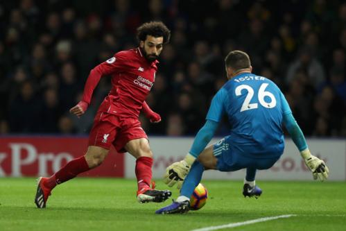 Mohamed Salah (đỏ) ghi sáu bàn trong ba trận gần nhất gặp Watford, nhưng thiếu đối tác ăn ý Firmino ở trận tới. Ảnh: EPL.