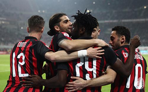 Với dàn cầu thủ trẻ trung và không thực sự nhiều ngôi sao, Milan lại cho thấy sự tiến bộ vượt bậc - đặc biệt là thành tích.