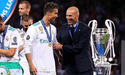 Sự ra đi của Zidane và Ronaldo khiến Real sụp đổ. Ảnh: Reuters