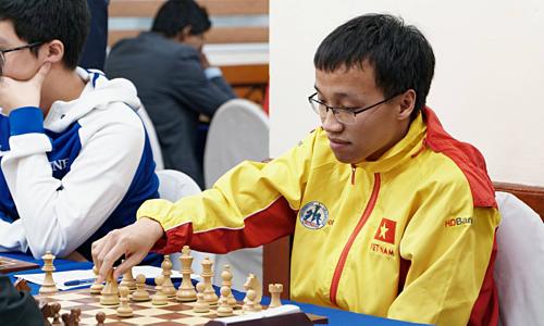 Trường Sơn nằm trong số ít kỳ thủ hàng đầu Việt Nam từng sử dụng khai cuộc e4, giai đoạn 2007-2008. Còn lại, d4 vẫn là lựa chọn chính.