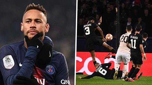 Neymar đặt dấu hỏi về tình huống trọng tài xác định bóng chạm tay Kimpembe (phải). Ảnh: AFP.