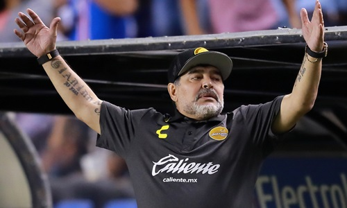 Maradona từng đặt Ronaldo dưới Messi, nhưng giờ phải công nhận tài năng của siêu sao người Bồ Đào Nha. Ảnh: Reuters.
