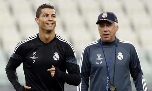 Ronaldo và Ancelotti thời còn làm việc cho Real. Ảnh: Marca