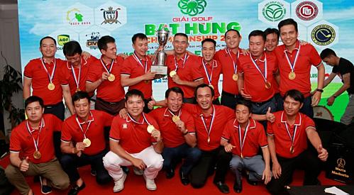 Các golfer của đội Đại học Kinh tế Quốc dân.