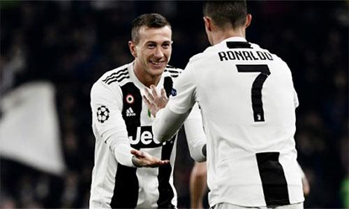 Bernadeschi không ghi bàn, nhưng cũng chơi rất tốt bên cạnh Ronaldo trong trận thắng Atletico 3-0.