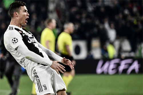 Màn mừng bàn thắng đang khiến Ronaldo gặp rắc rối.