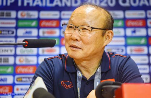 HLV Park Hang-seo thừa nhận thử nghiệm nhiều trong trận đấu với Brunei. Ảnh: Giang Huy
