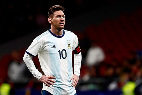 Messi có ngày tái xuất đáng buồn.