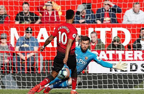 Bàn thắng giúp Rashford gia nhập danh sách những cầu thủ ghi nhiều hơn 10 bàn cho Man Utd mùa này. Ảnh: Reuters.