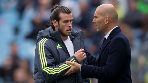 Bale và Zidane trở thành chủ đề chính tại Real. Ảnh: AFP.