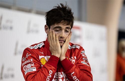 Leclerc không giấu thất vọng sau chặng đua. Anh đã cố gắng đảo ngược tình thế, vươn lên dẫn dầu, nhưng phải chứng kiến cơ hội thắng chặng đầu tiên trong sự nghiệp tiêu tan vì lỗi kỹ thuật.