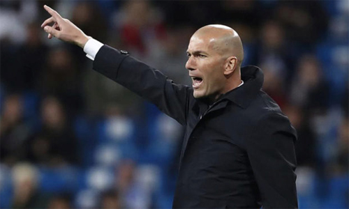 Zidane bảo vệ con trai sau khi cho Luca bắt chính ở La Liga cuối tuần qua. Ảnh: Marca.