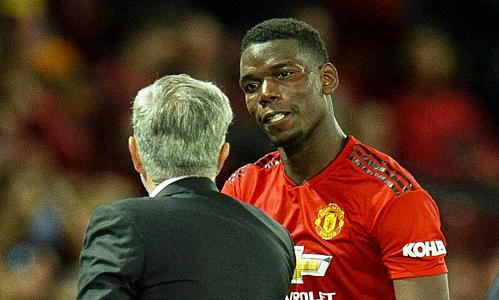 Rạn nứt với Pogba là một phần nguyên nhân khiến Mourinho bị sa thải. Ảnh: EPA.
