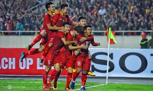 Các cầu thủ Việt Nam mừng bàn thắng vào lưới Thái Lan ở vòng loạiU23 châu Á vừa qua. Ảnh: Giang Huy.