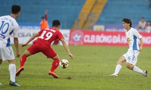 Tuấn Anh có những pha xử lý bóng tinh tế khi đối đầu Hải Phòng mùa giải 2018.