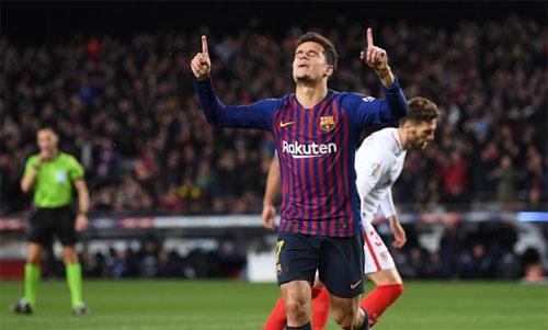 Coutinho nhiều khả năng sẽ đá chính cạnh Messi và Suarez khi gặp Man Utd tối 10/4. Ảnh: Reuters