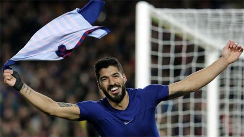 Man Utd có thể dễ thở với Suarez trong trận tứ kết lượt đi tối 10/4. Ảnh: Reuters